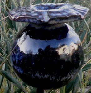 Grand pavot en céramiques noir